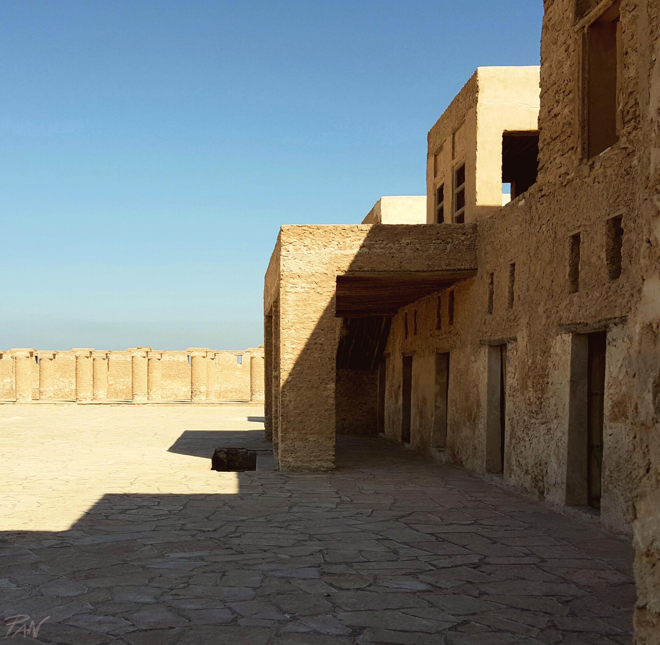 Intrico di architetture presso Al-uqair beach, ph. PaN
